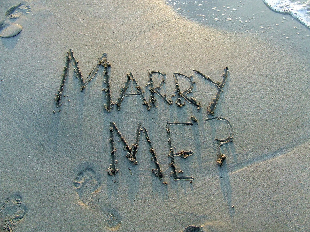 小池百合子の結婚歴・子供・独身・夫・同居してる男性は誰?