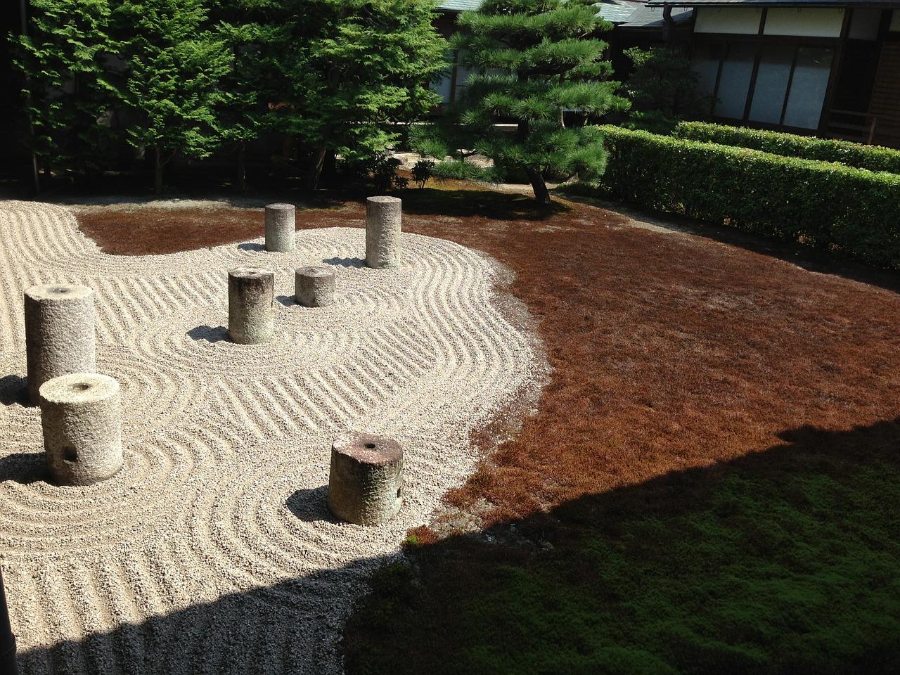 吉岡里帆の実家は京都に住所で大学は書道専攻!地元・家族は?