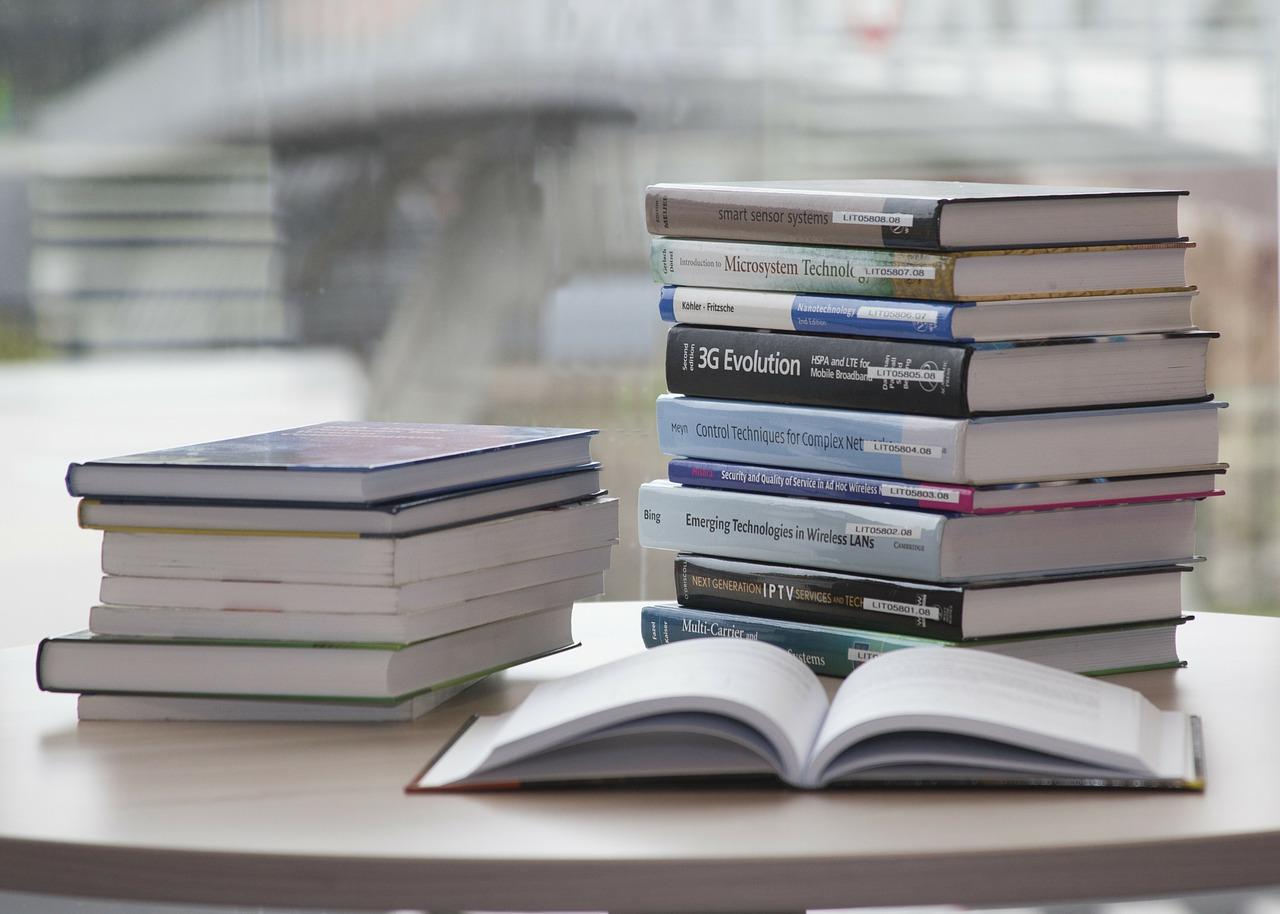読書の効果は絶大!いろいろなジャンルの本で、大人も集中力アップ!
